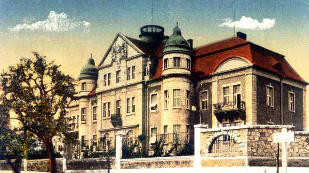 Mostecká kasárna na historickém obrázku
