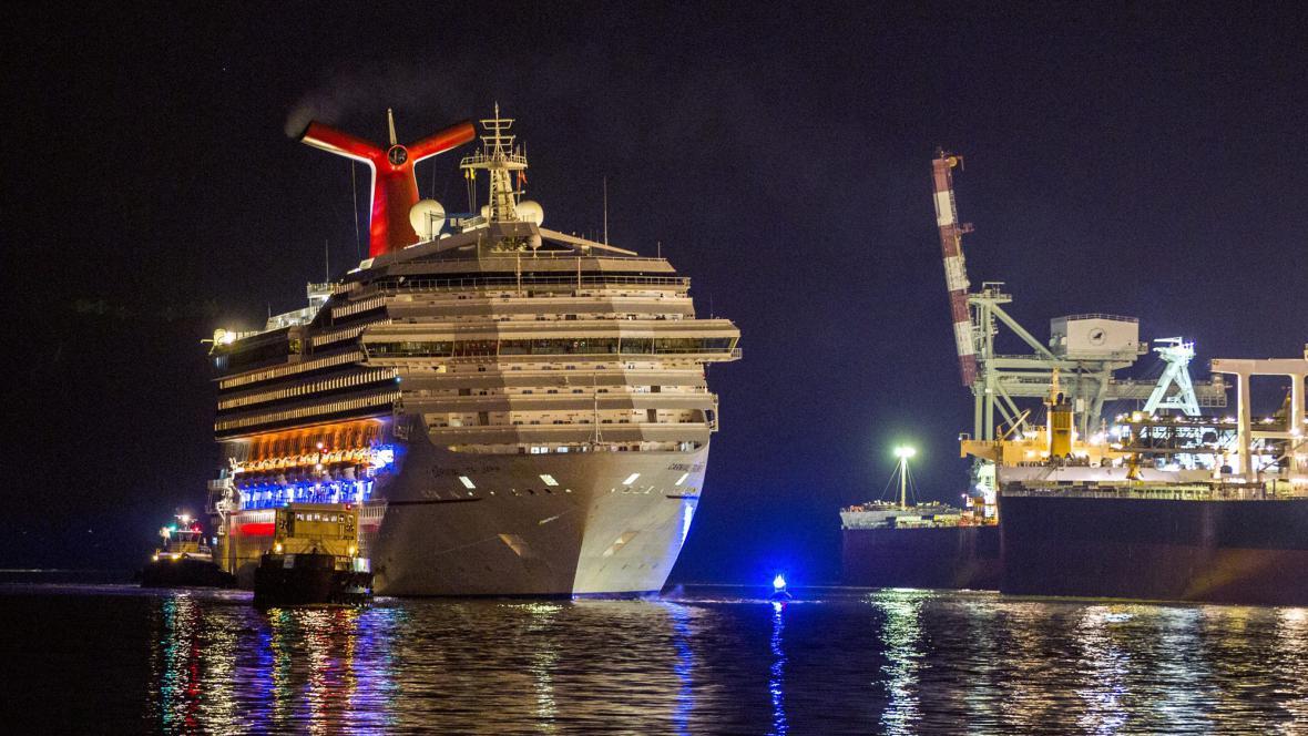 Loď Carnival Triumph přistála v Alabamě