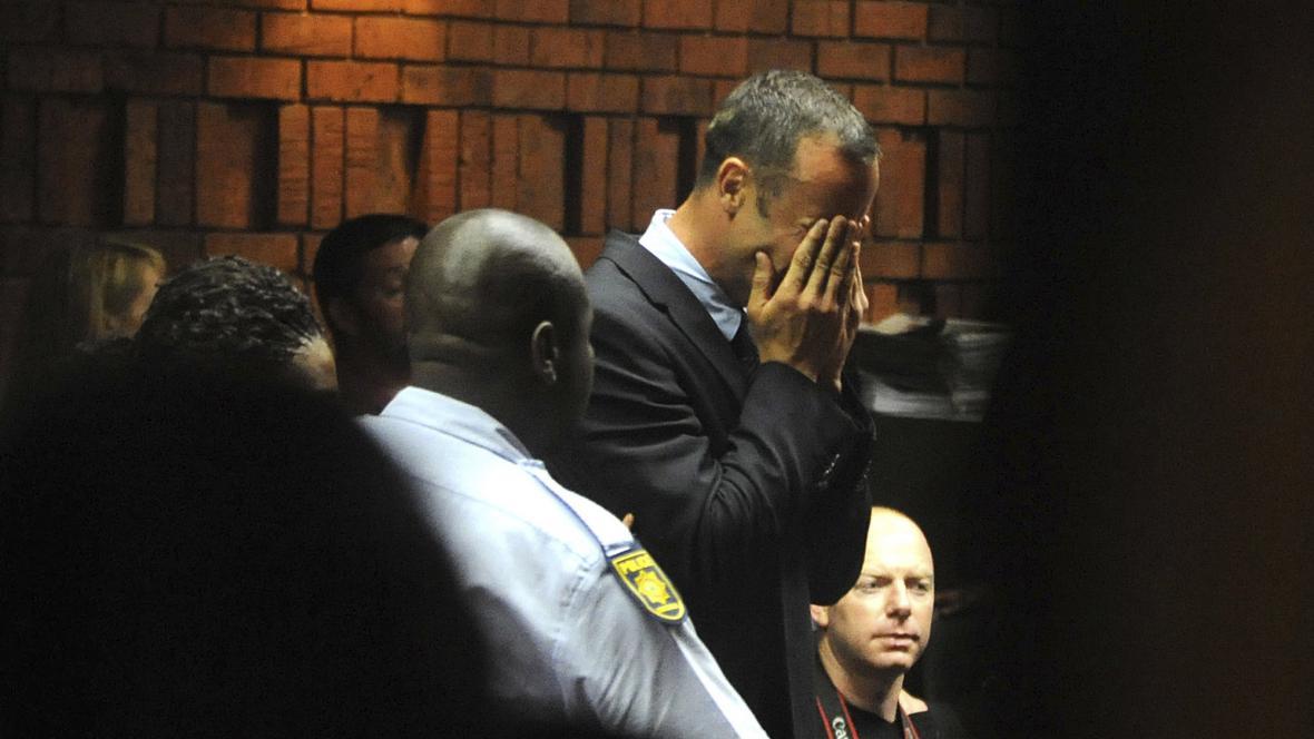 Oscar Pistorius se u soudu rozplakal