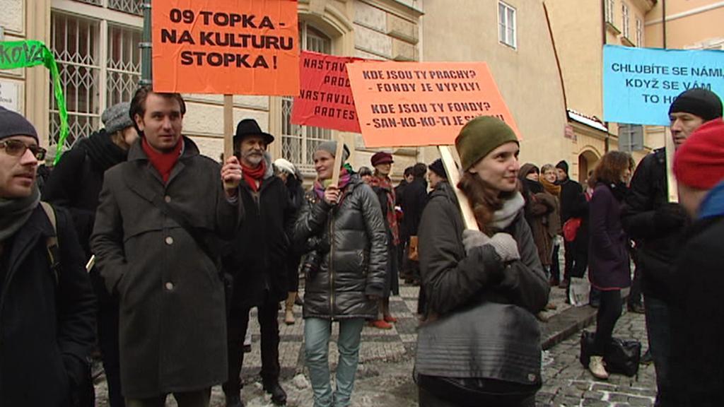 Demonstrace proti slabým dotacím na živou kulturu