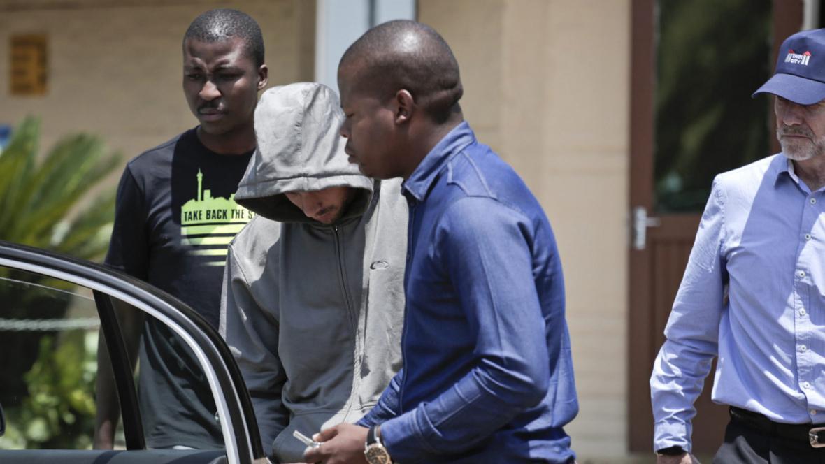 Policie odváží Oscara Pistoria