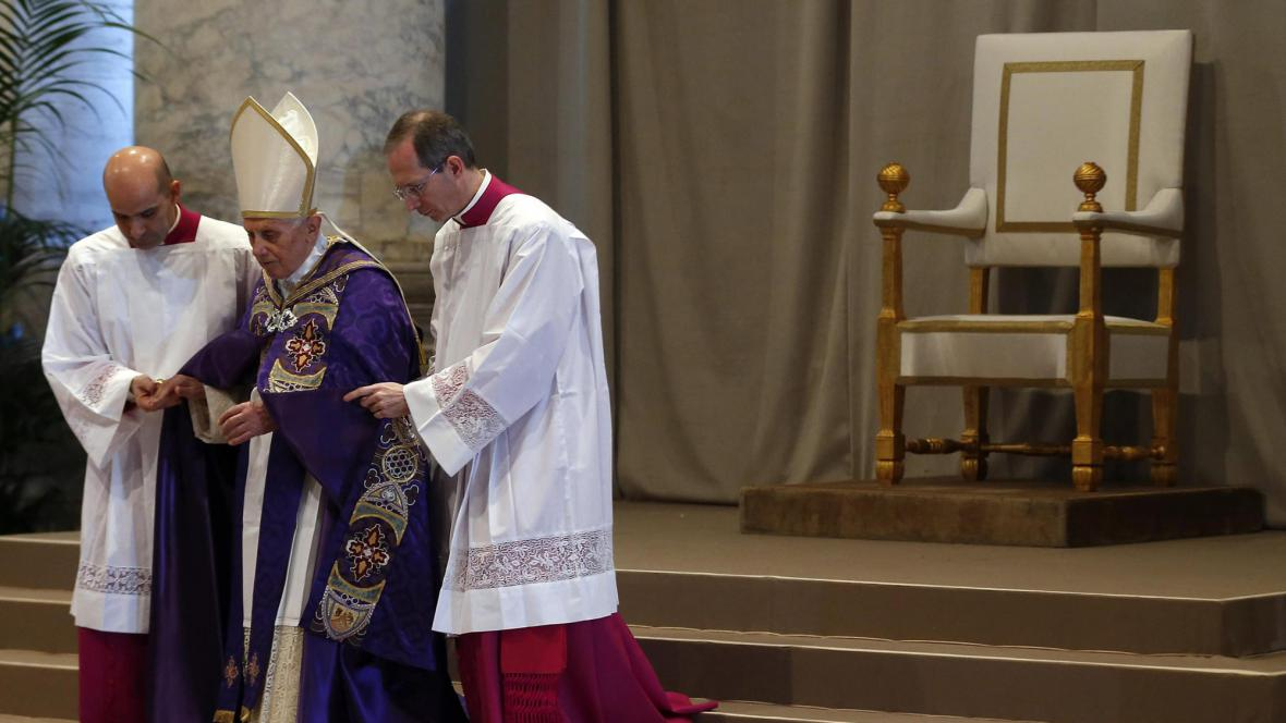 Papež Benedikt XVI. při mši