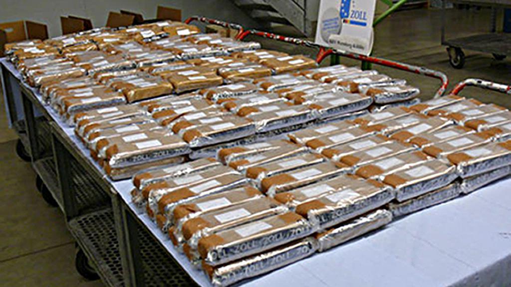 Německá policie našla v českém kamionu 150 kg heroinu
