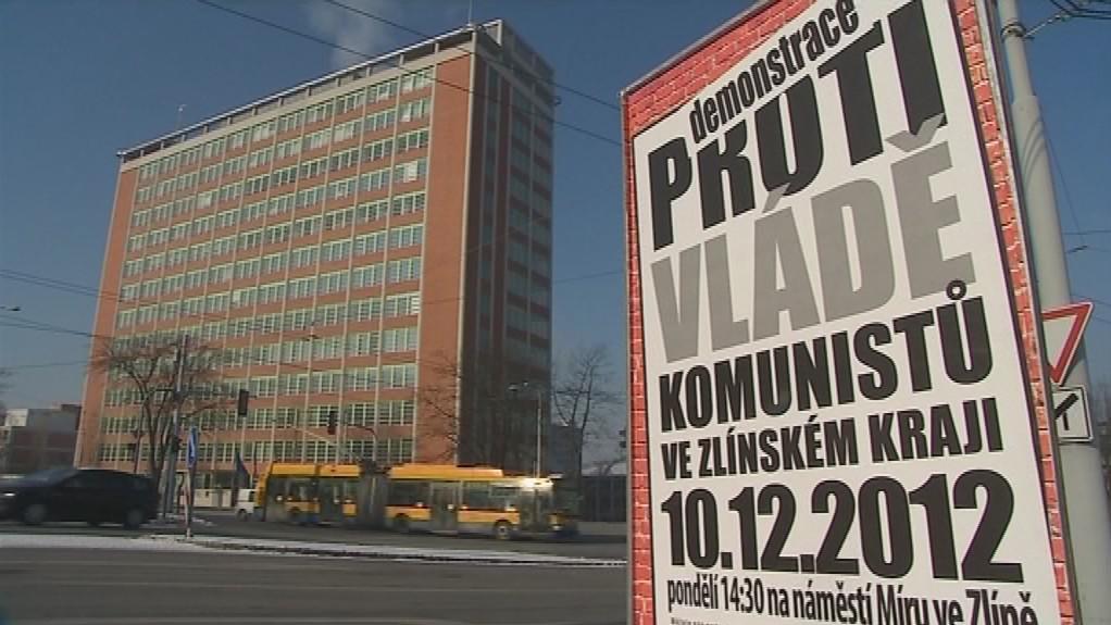 Město už politickou reklamu na zelených plochách nechce