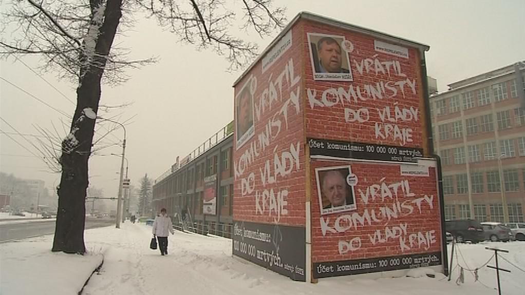 Občanské sdružení využívá i některé komerční reklamní plochy