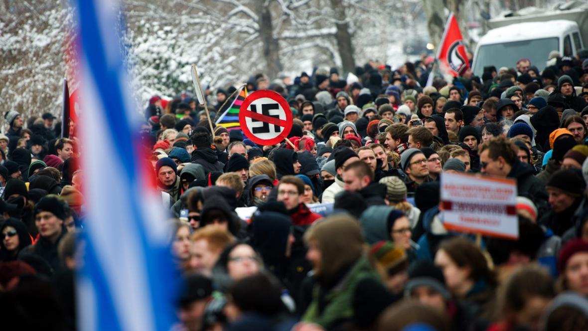 Pochod proti neonacistům v Drážďanech