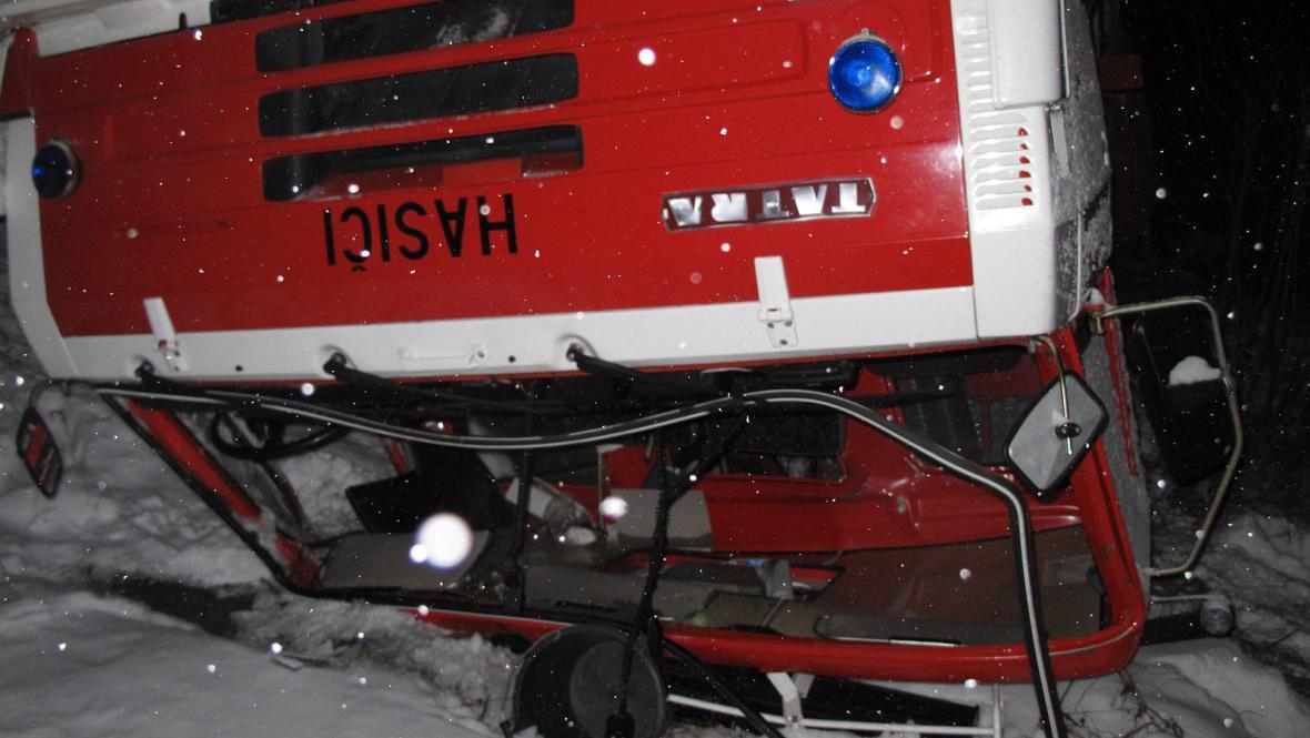 Nikomu z hasičů se naštěstí nic nestalo