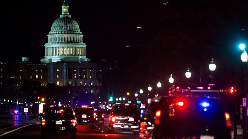 Prezidentská kolona přejíždí do sídla Kongresu