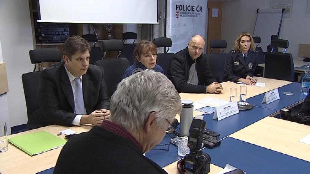 Starosta Vladan Krásný (ODS) na tiskové konferenci policie