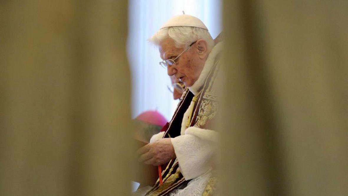 Papež Benedikt XVI. oznamuje svou rezignaci