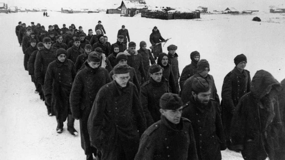 Němečtí zajatci u Stalingradu