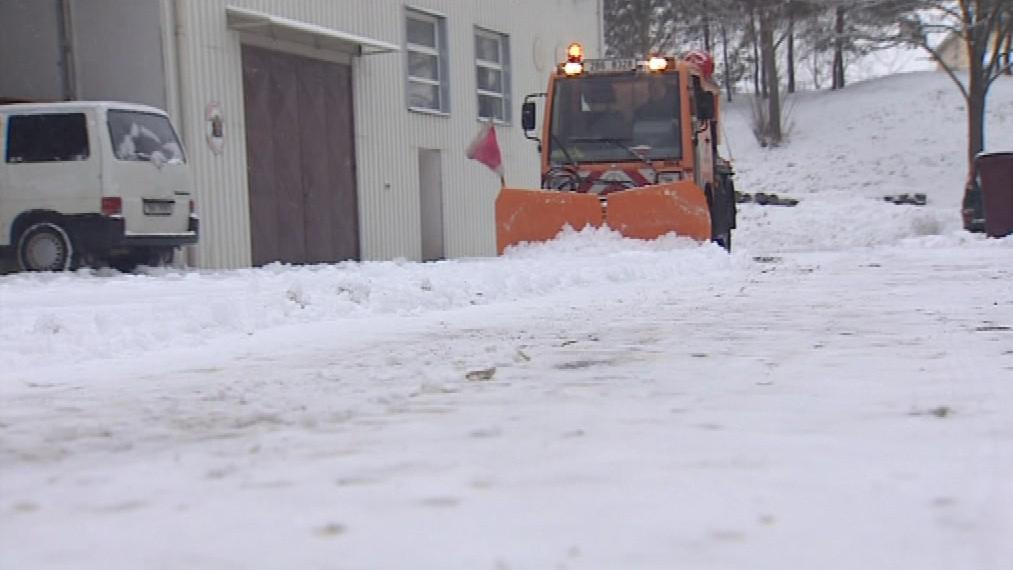 Pro menší obce je úklid sněhu nákladný