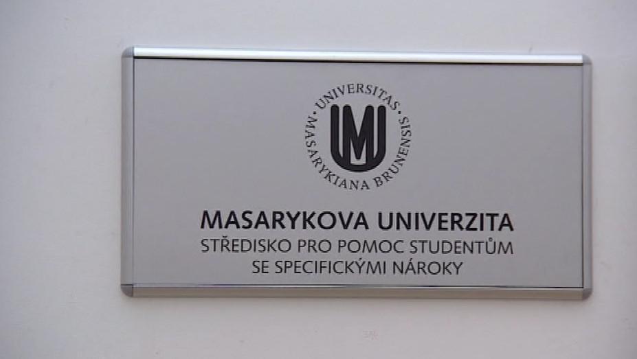 Na Masarykově univerzitě studuje 450 studentů se specifickými nároky