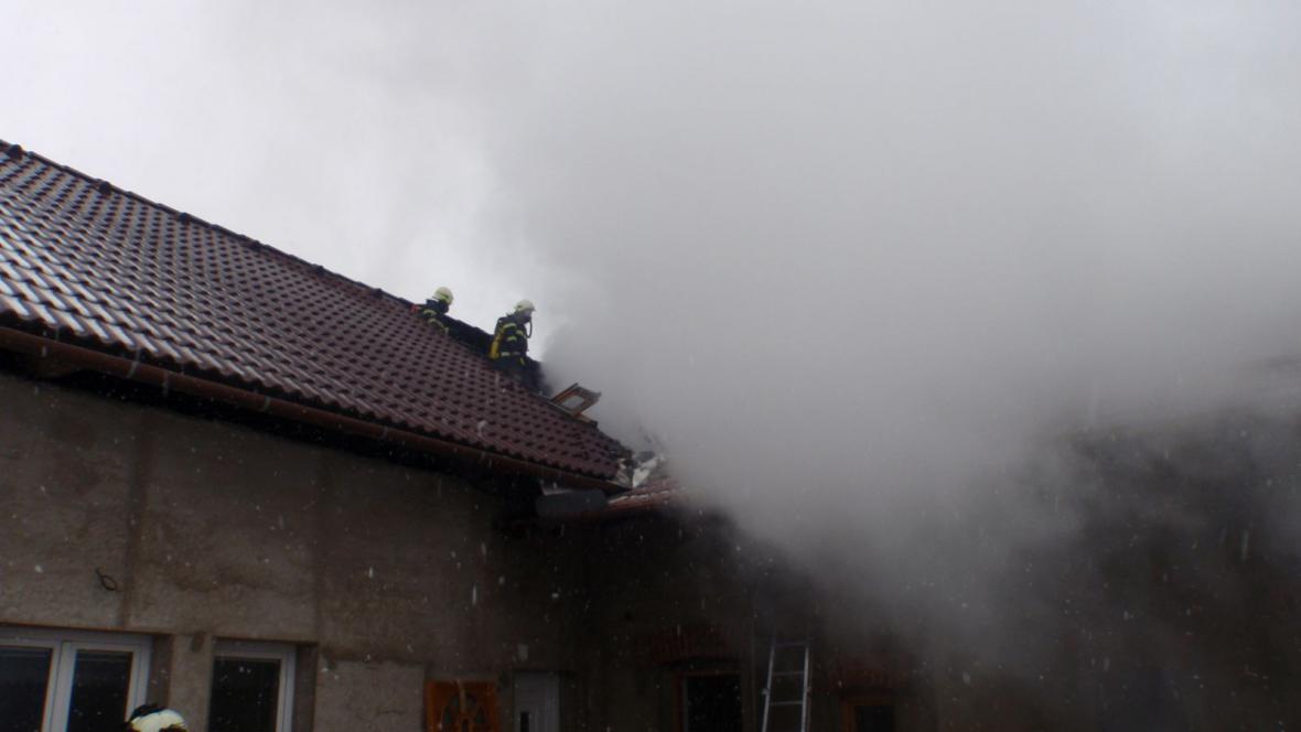 Škoda na střeše se vyšplhala na 300 tisíc