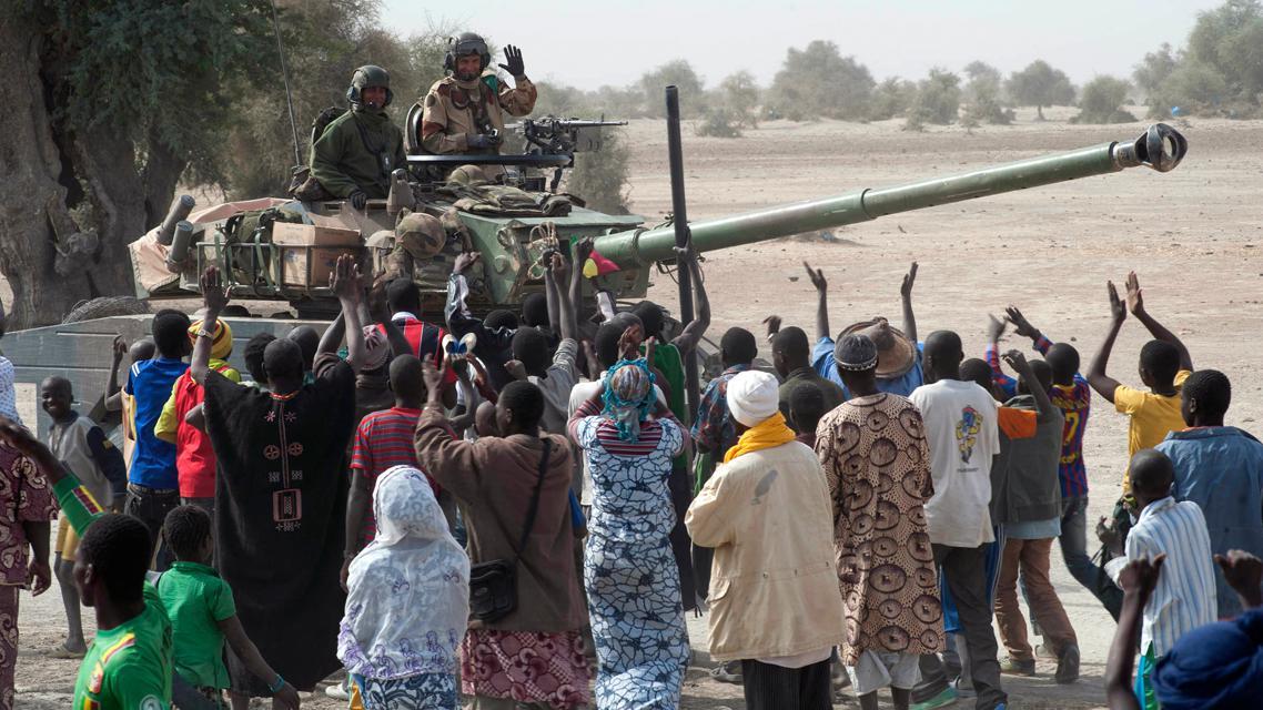 Malijci vítají francouzské vojáky