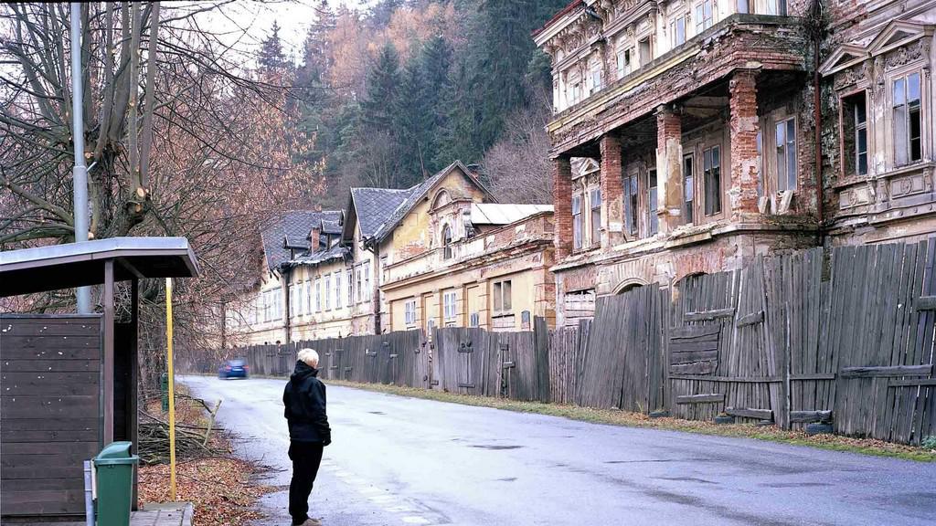 Bývalá lázeňská promenáda (Lázně Kyselka)