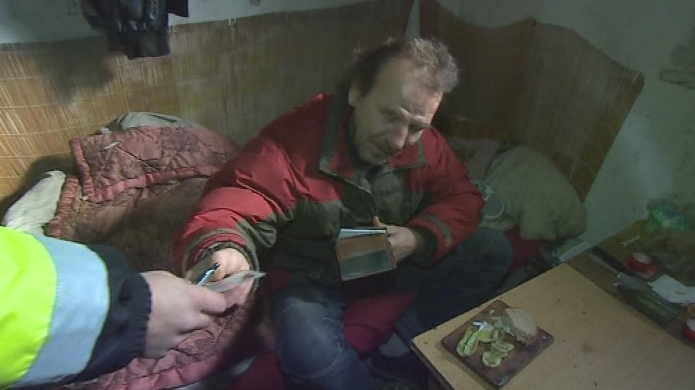 Strážníci kontrolují břeclavské bezdomovce