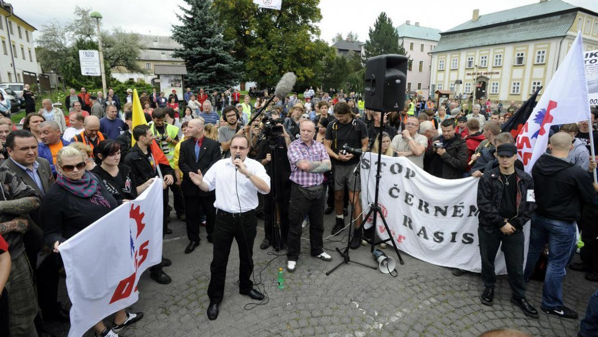 Tomáš Vandas na náměstí v Novém Boru