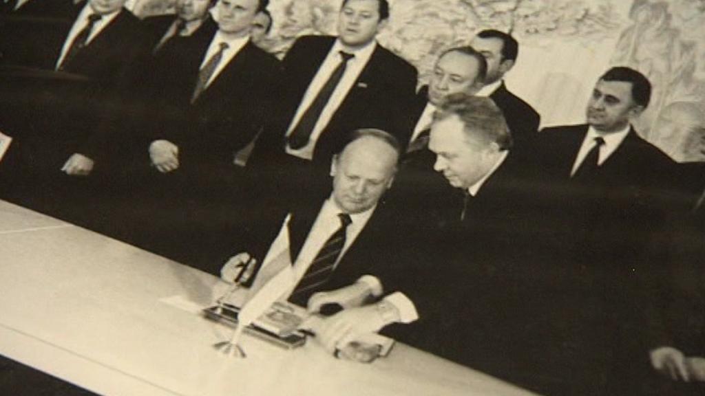 Stanislav Šuškevič stvrzuje rozpad Sovětského svazu