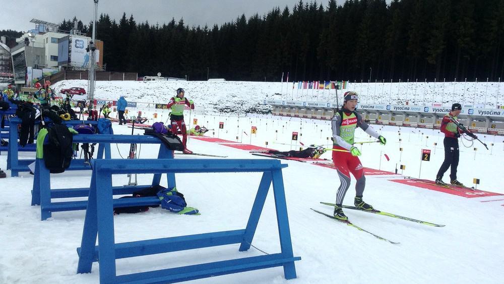 Trénink biatlonistů před zahájením mistrovství
