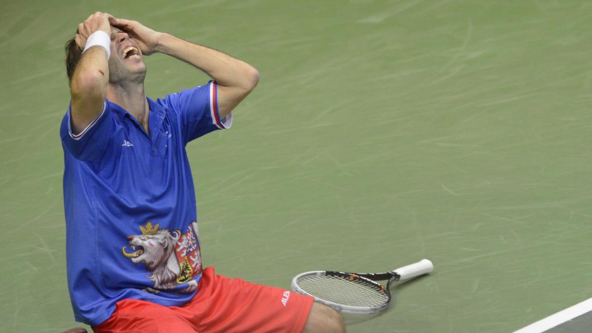Radek Štěpánek právě zajistil Česku triumf v Davis Cupu