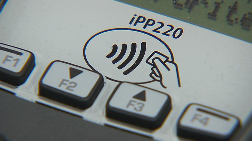 Bezkontaktní platební terminál