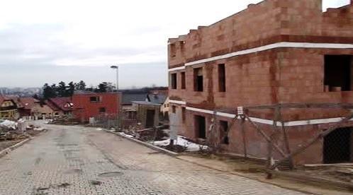 Majitel chtěl bez povolení přistavět třetí patro