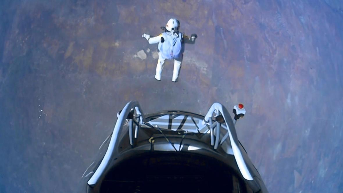 Rekordní skok Felixe Baumgartnera