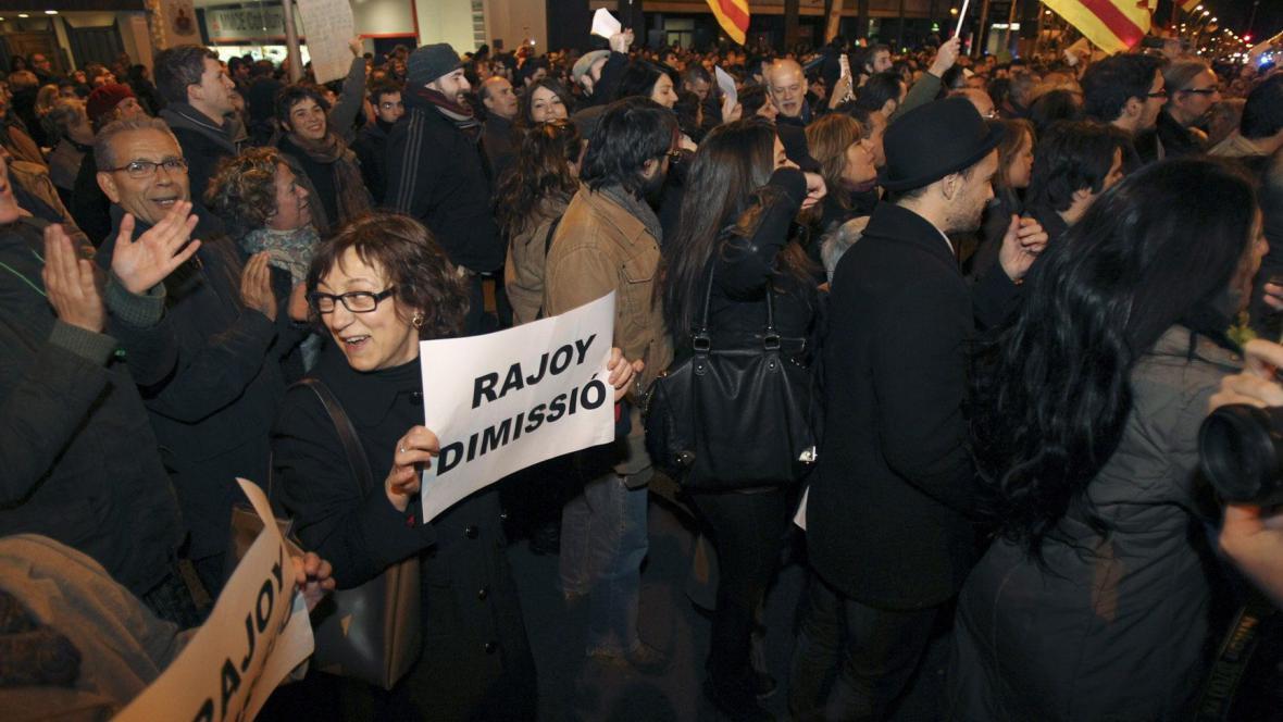 Protesty proti španělskému premiérovi