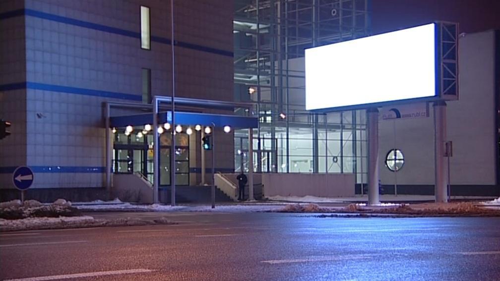 LED billboardy oslňují řidiče