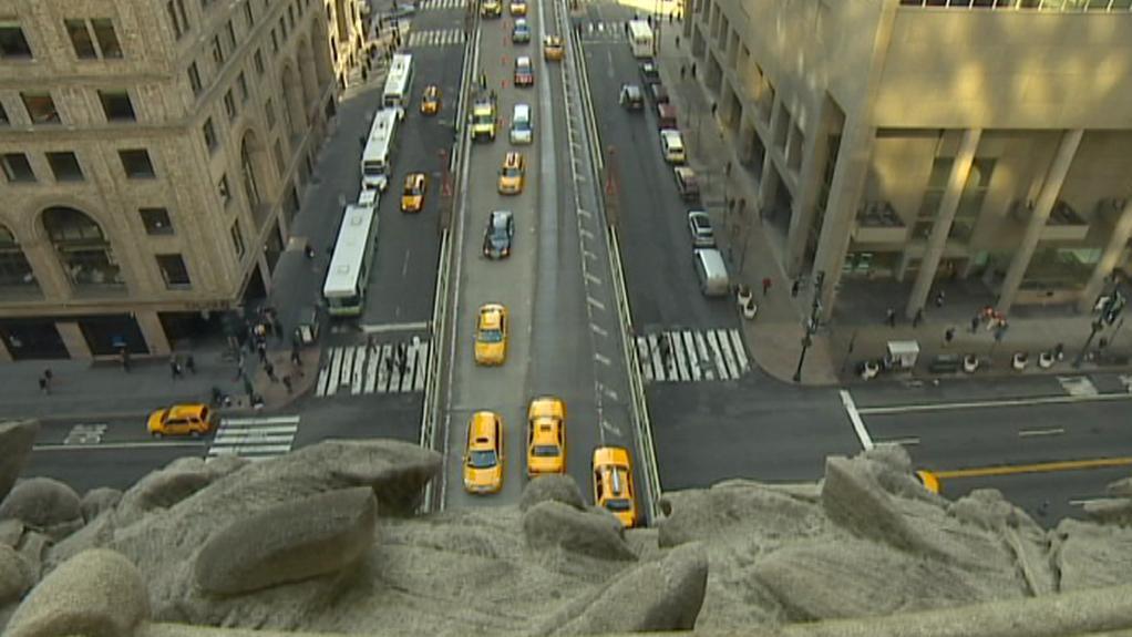 Pohled z Grand Central na rušné ulice New Yorku