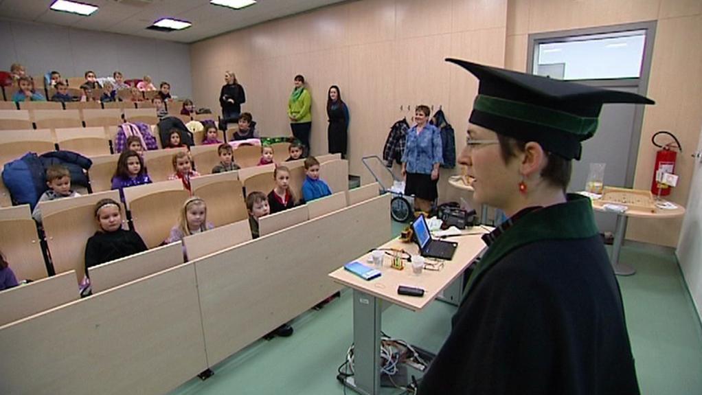 Děti ve vysokoškolských lavicích