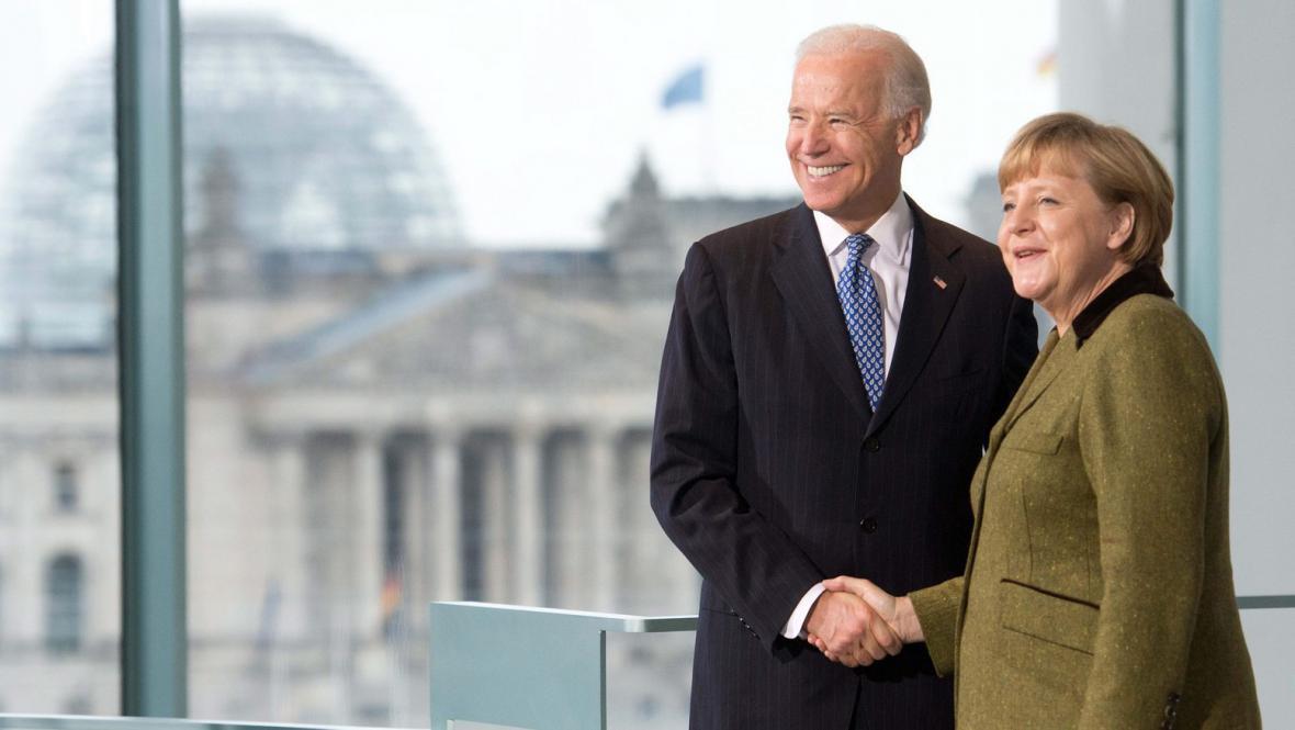 Joseph Biden a Angela Merkelová