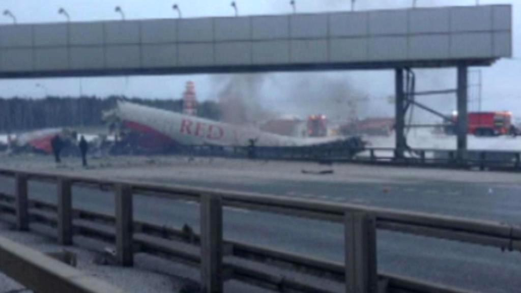 Havárie letadla na moskevském letišti Vnukovo