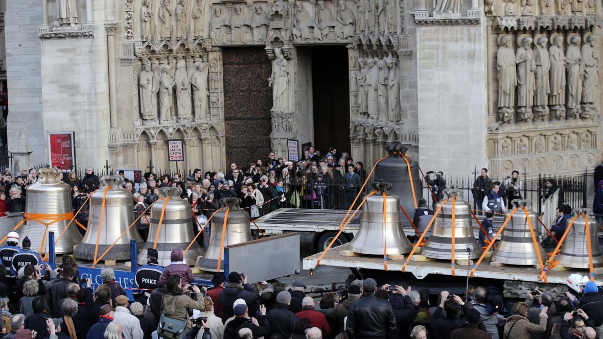 Nové zvony pro Notre-Dame
