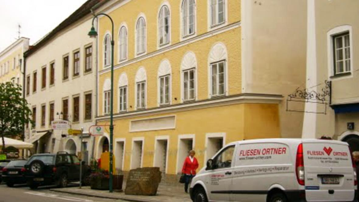 Rodný dům Adolfa Hitlera v Braunau