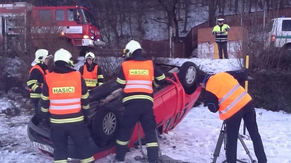 Nehoda osobního auta v Brně-Kníničkách