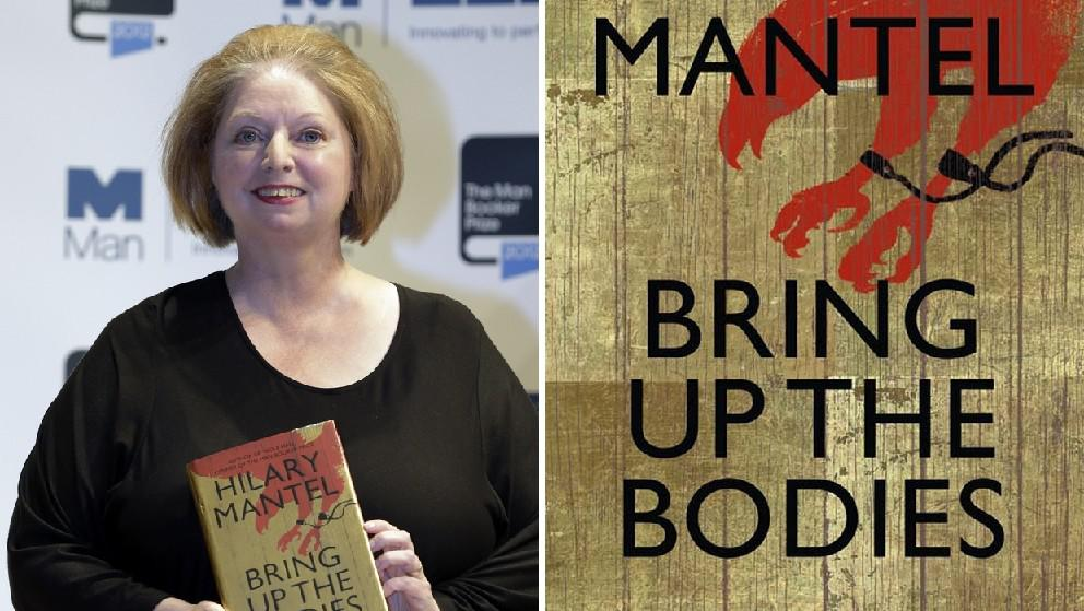 Hilary Mantelová s knihou Brint Up the Bodies