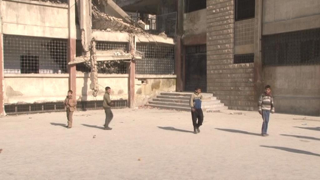 Syrské děti ve zničeném Aleppu