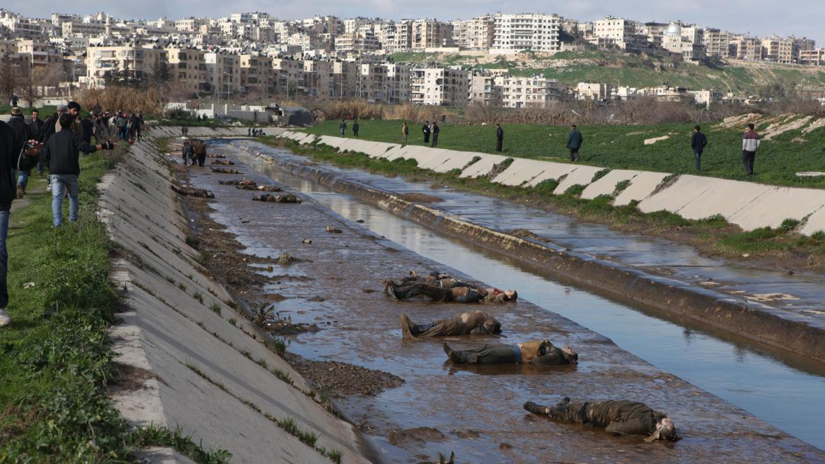V Aleppu se našly desítky mrtvol