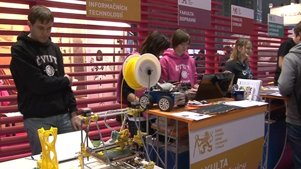 Univerzity se snaží studenty nalákat na studium technických oborů