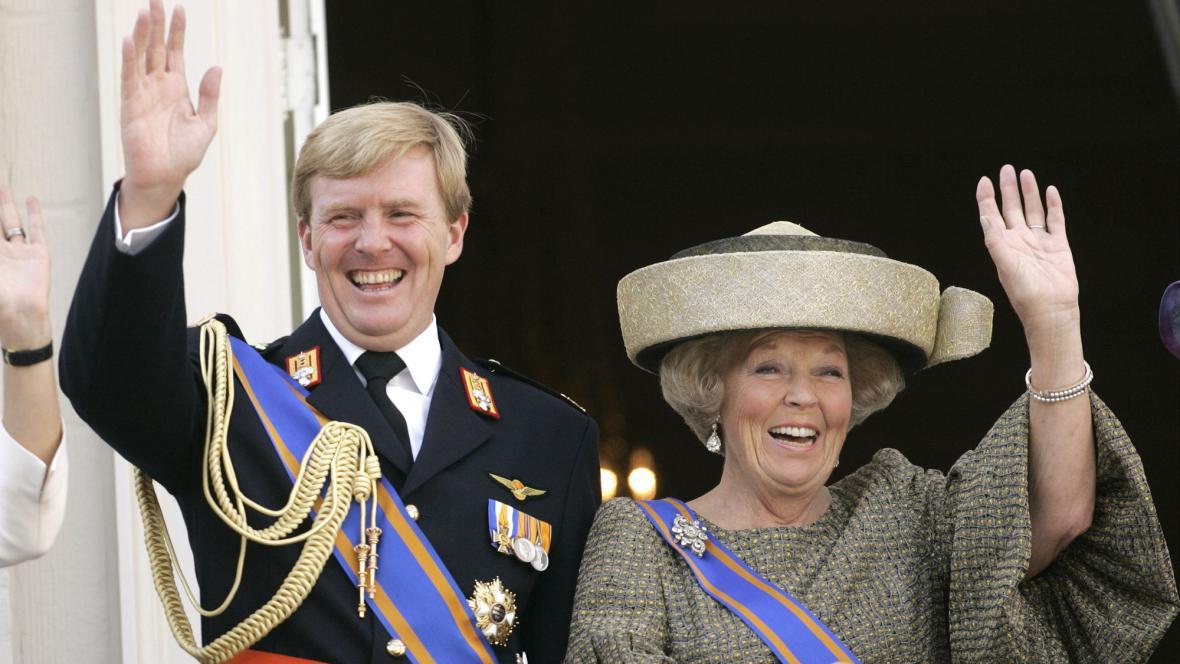 Willem-Alexander a královna Beatrix