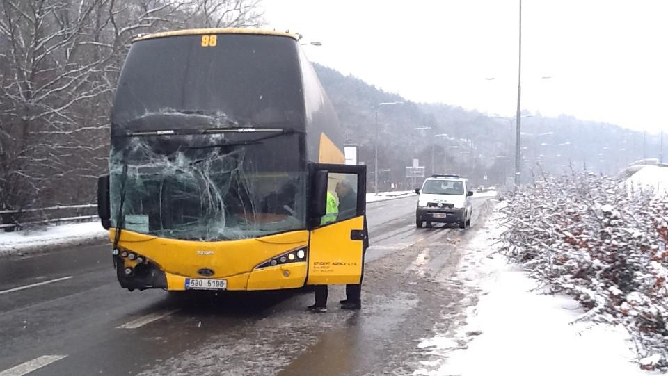 Nehoda dvou autobusů v Brně