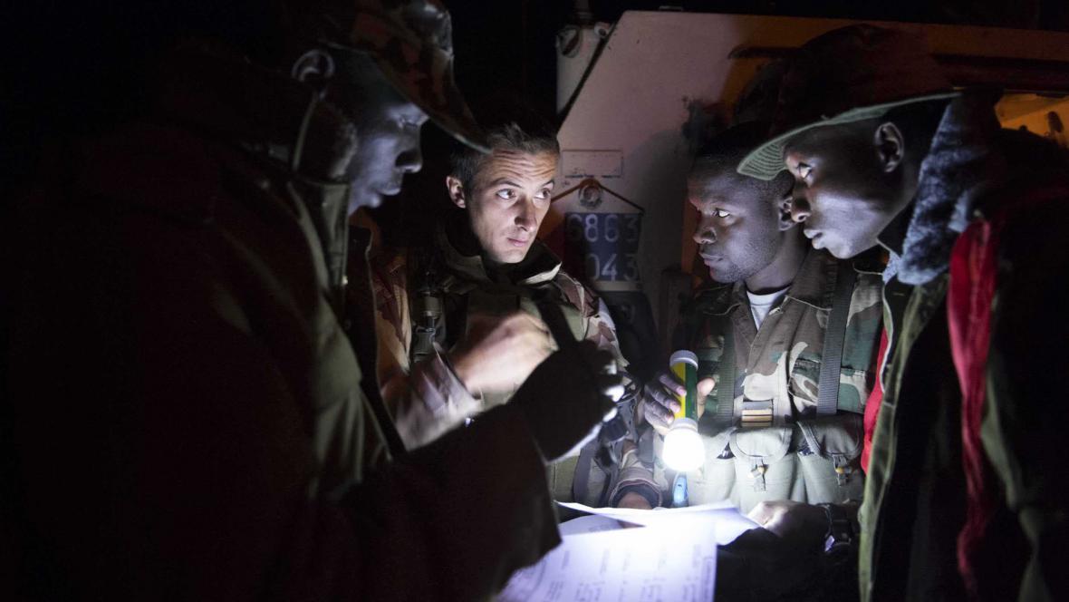 Francouzští a maliští vojáci