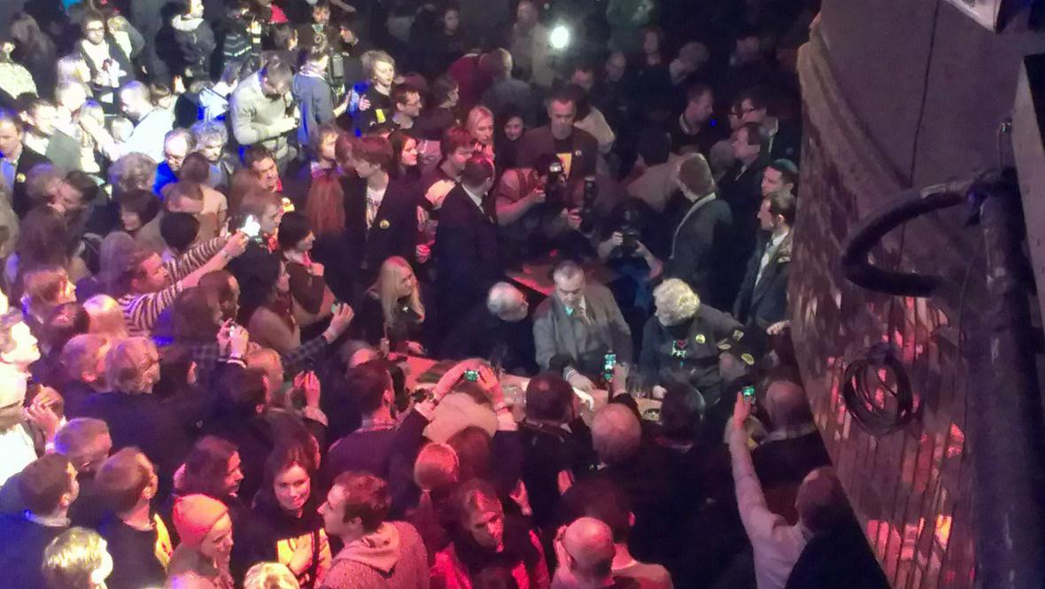 V Lucerně je plno jako na koncertě