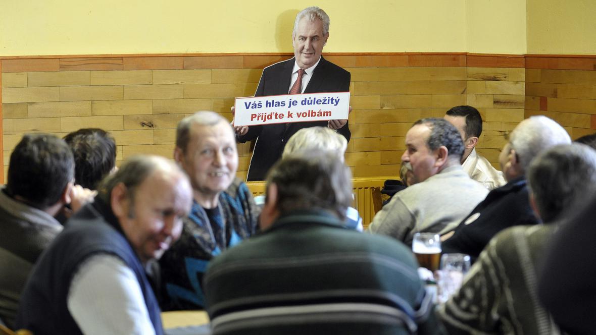 Příznivci Miloše Zemana v Novém Veselí na Žďársku
