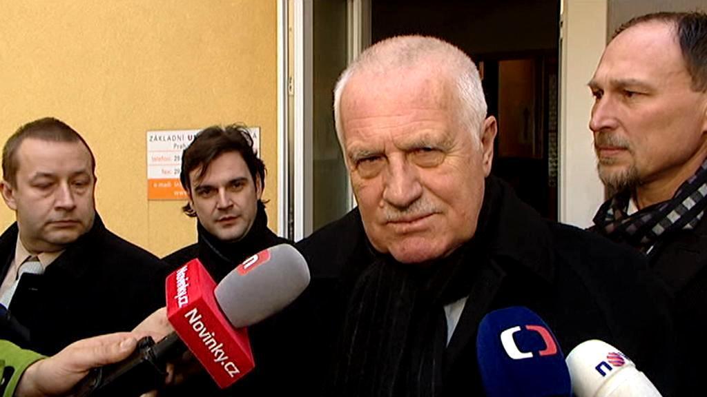 Václav Klaus, poté co odevzdal svůj hlas