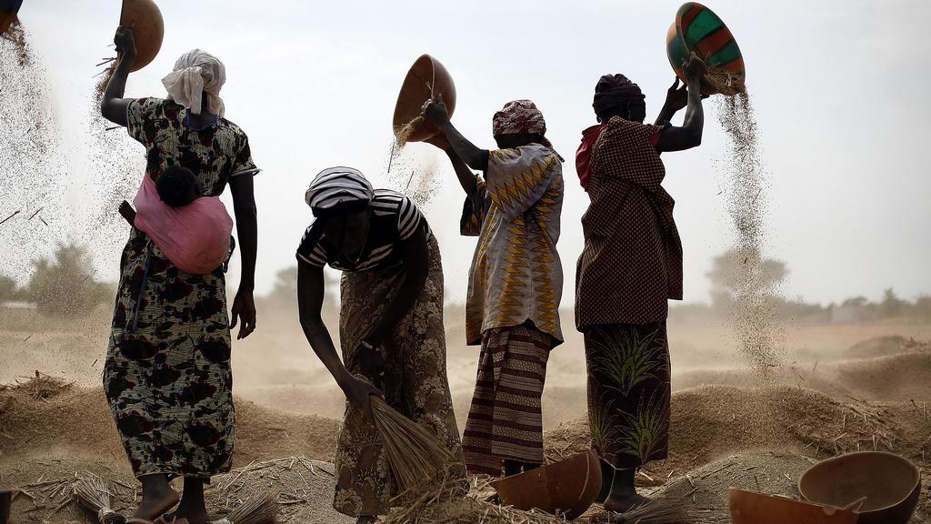 Lidé prchající z Mali se potýkají s nedostatkem jídla