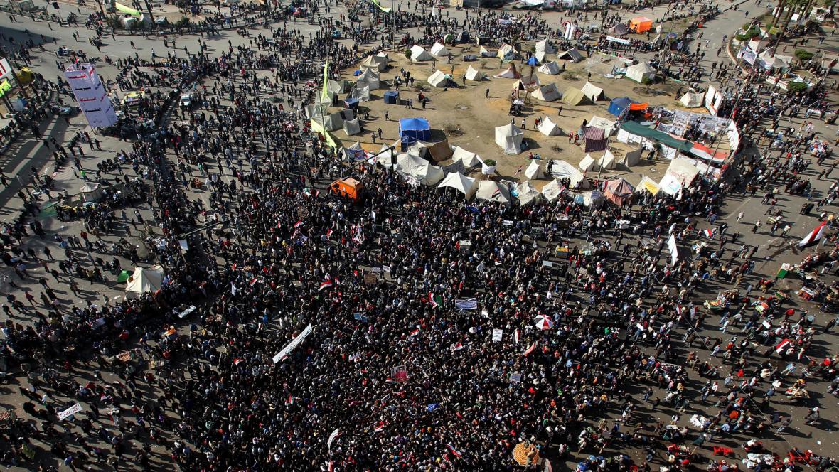 Demonstranti na náměstí Tahrír