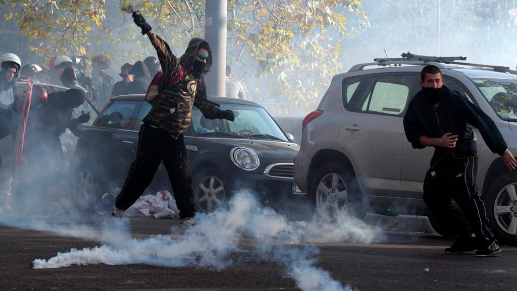 Protesty proti škrtům